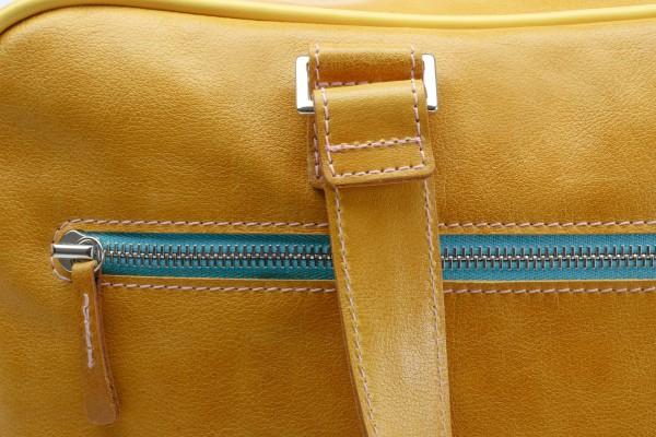 Sporttasche 01 S Außentasche 1 1090 €.jpg