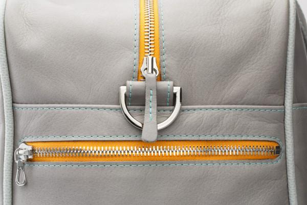 Sporttasche 04 L Außentasche 1 verkauft.jpg