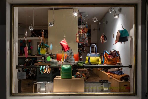 Mai Werkstatt Fenster 4.jpg